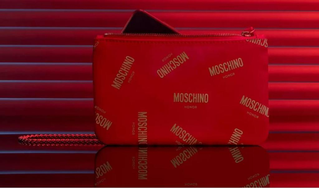 moschino honor