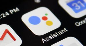 Gli inciampi di Facebook, i prezzi di Apple, l'assistente di Google | Le news tech e social