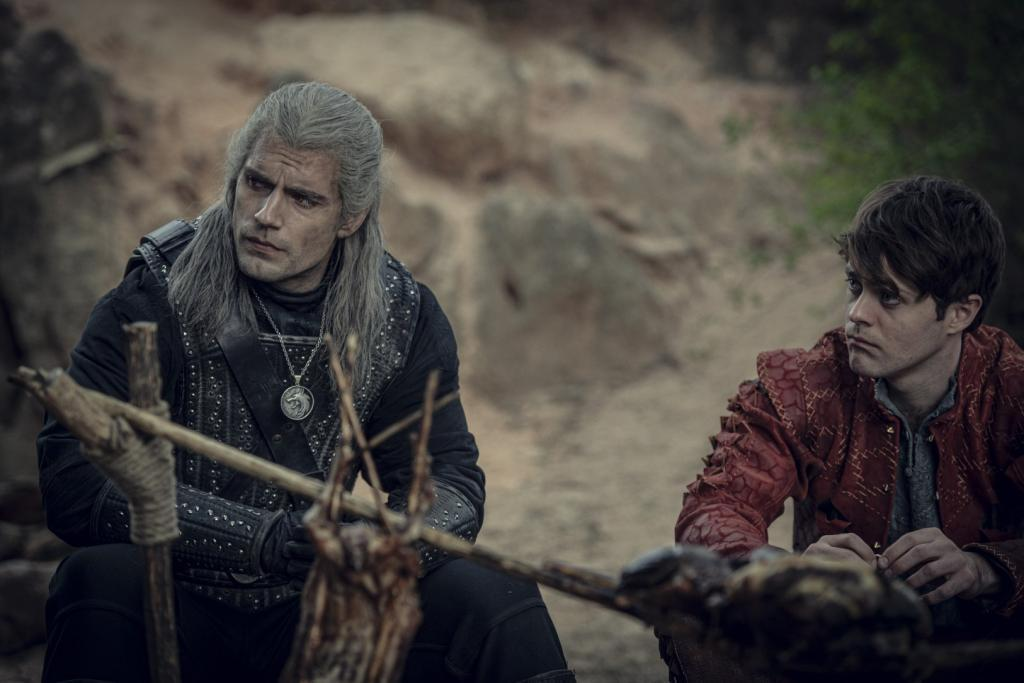 Henry Cavill (The Witcher) monta il suo PC gaming: il video è virale